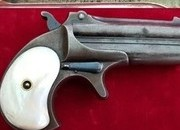 A scarce Remington .41 rim-fire Derringer pistol with Mother-of-pearl grips. Ref 1921.   Muzzleloader