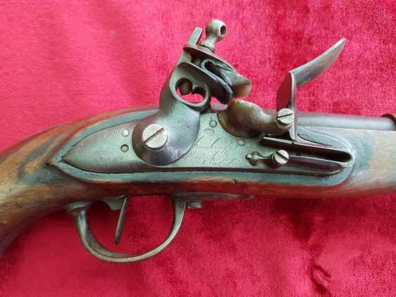 A scarce Napoleonic era French Military Officer\'s Flintlock Pistol DATED 1813. Made at the French Military arsenal. Good condition. Ref 9920. Pistol / Hand Guns