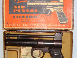 Webley / Webley & Scott Junior Series 2 .177 Calibre Air Pistol With Original Empty Webley Paper Pellet  .177  Air Pistols