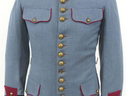 French Guards Officer's Horizon Blue Tunic / Jacket With Brass 'R' Insignia. WW1 Era French Guards Officer's Horizon Blue Tunic / Jacket With Brass 'R' Insig