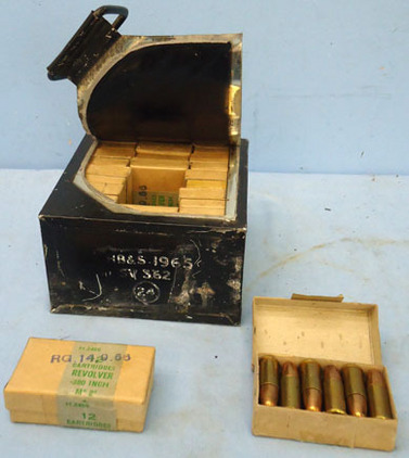 INERT DEACTIVATED. British Military Original Tin Plate Outer Box of 15 Service P INERT DEACTIVATED. British Military Original Tin Plate Outer Box of 15 Service P Accessories